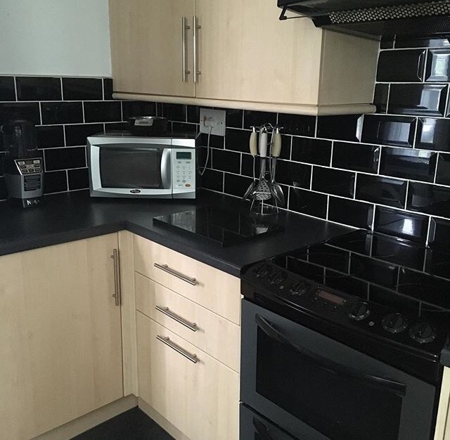 budget kitchen makeover - before